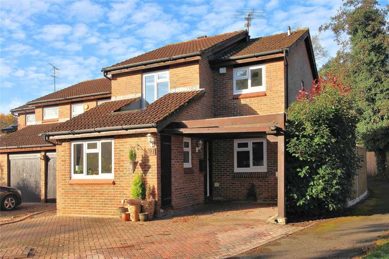 4 Bedrooms Detached House for sale in Tresillian Way, Woking, Surrey, GU21