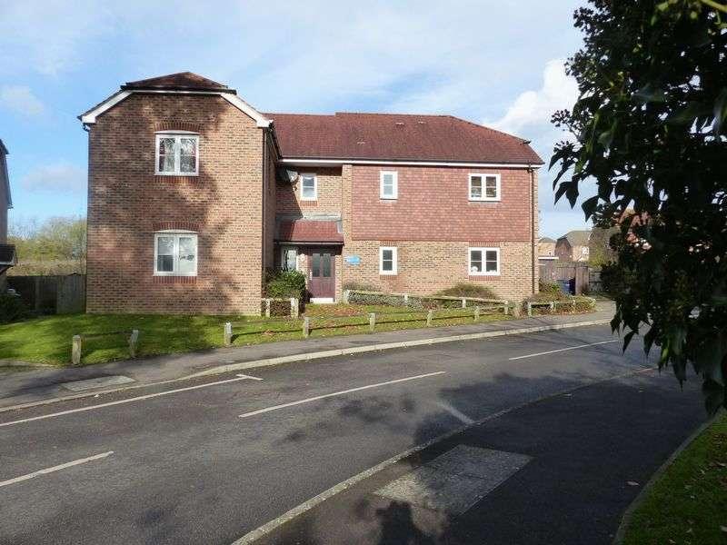 1 Bedroom Flat for sale in Roberts Way, Cranleigh