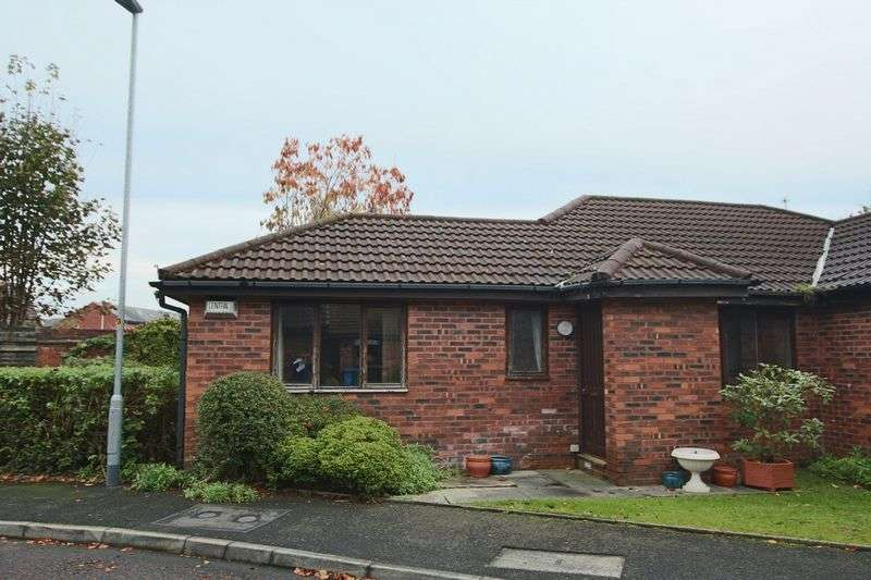 2 Bedrooms Bungalow for sale in Mulberry Close, Rochdale OL11 3TS