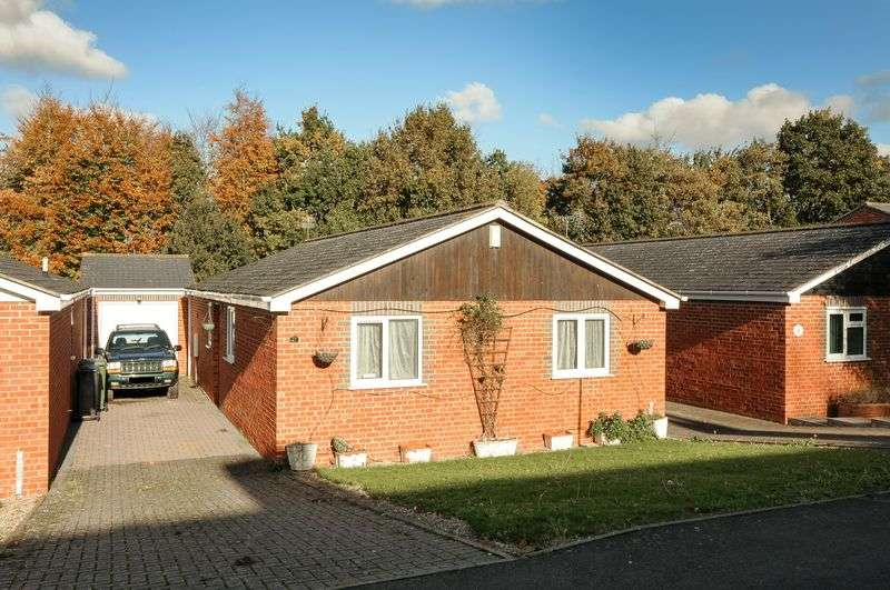 3 Bedrooms Detached Bungalow for sale in Trenchard Avenue, Milton Hill