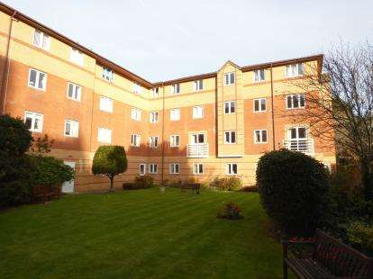 2 Bedrooms Flat for sale in Carlton Street, Weston-Super-Mare, Somerset