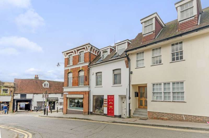 2 Bedrooms Maisonette Flat for sale in Chapel Street, Guildford, GU1