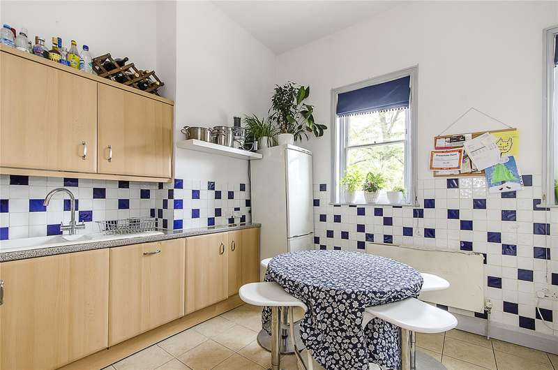 3 Bedrooms Flat for sale in Altenburg Gardens, London, SW11