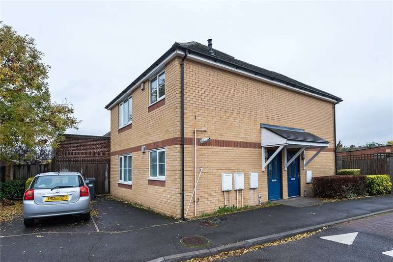 1 Bedroom Flat for sale in Shepherd Close, Hanworth, Feltham, TW13