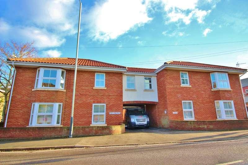 2 Bedrooms Flat for sale in Angel Road, Norwich