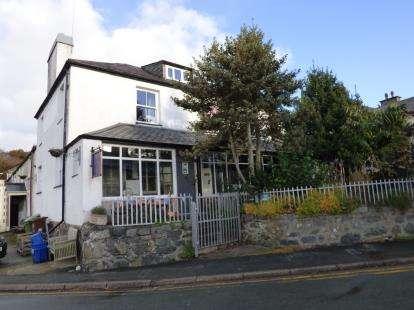 House for sale in Llanystumdwy, Criccieth, Gwynedd, LL52