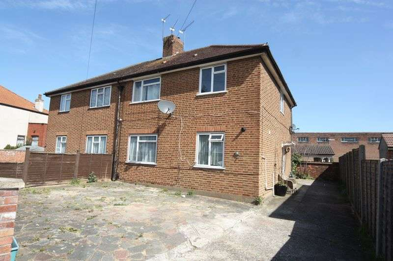 4 Bedrooms Semi Detached House for sale in Birkbeck Avenue, Greenford