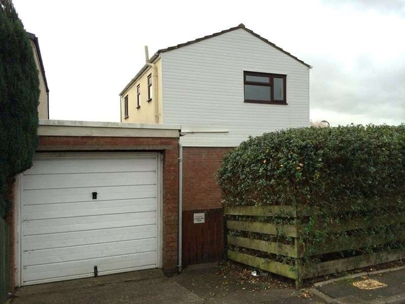 3 Bedrooms Terraced House for sale in Gruffyd Drive, Churchill Park