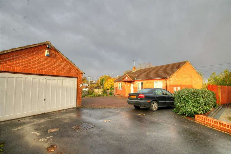 3 Bedrooms Detached Bungalow for sale in Elvet Green, Chester Le Street, Durham, DH2