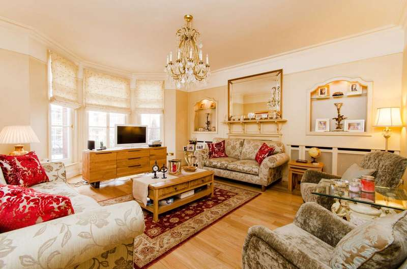 4 Bedrooms Flat for sale in Fortune Green Road, West Hampstead, NW6