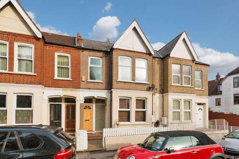 3 Bedrooms Flat for sale in Byegrove Road, London