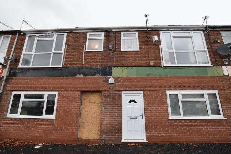 2 Bedrooms Flat for sale in Alder Road, Manchester