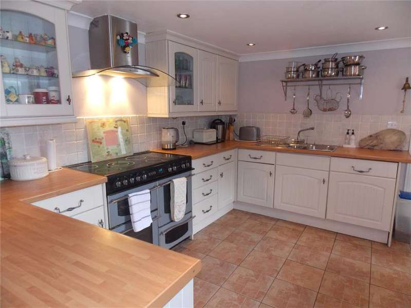 4 Bedrooms Detached House for sale in Bell Veor, Lanner, Redruth
