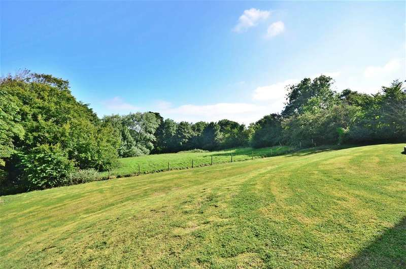 2 Bedrooms Apartment Flat for sale in Halletts Shute, Norton, Yarmouth, Isle of Wight