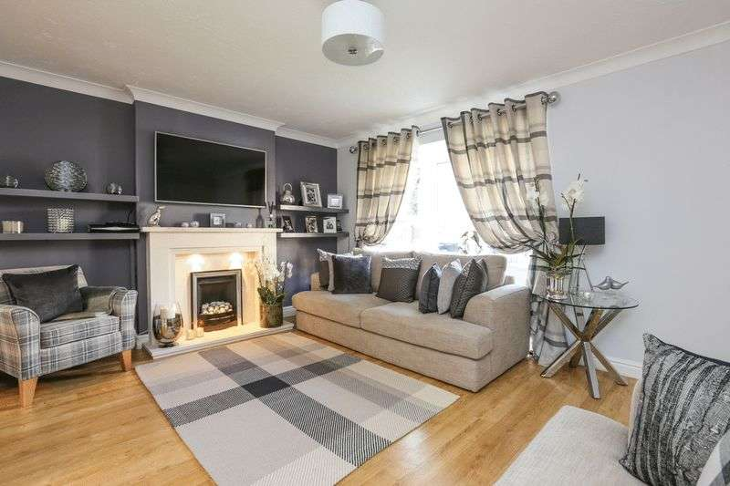 3 Bedrooms Detached House for sale in Foxfield Grove, Shevington