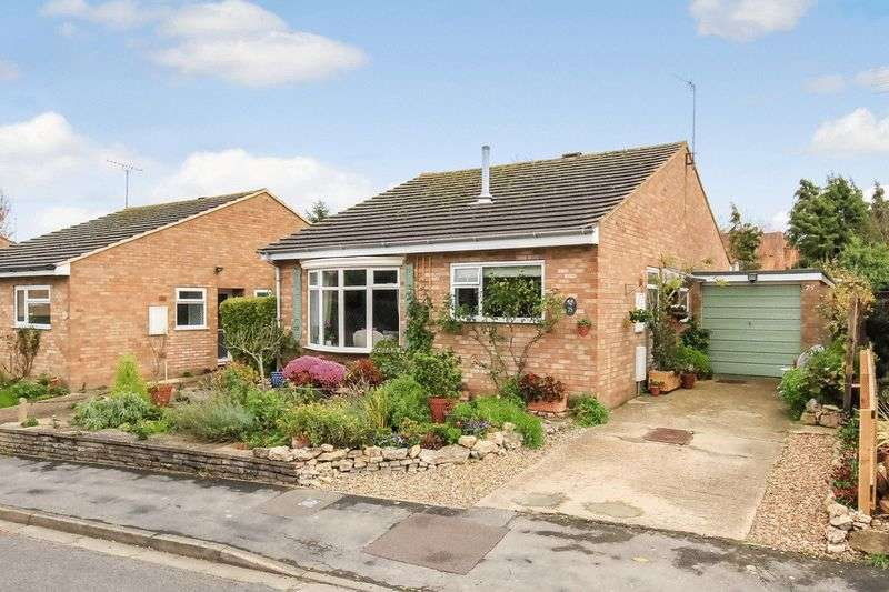 2 Bedrooms Detached Bungalow for sale in Wenwell Close, Aston Clinton