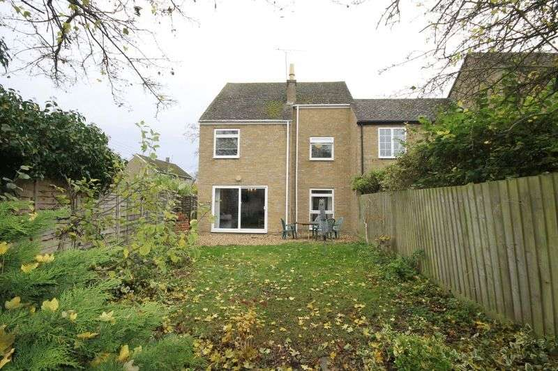 3 Bedrooms Detached House for sale in TACKLEY
