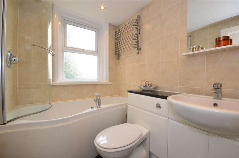2 Bedrooms Apartment Flat for sale in Sandgate Road, Folkestone, Kent