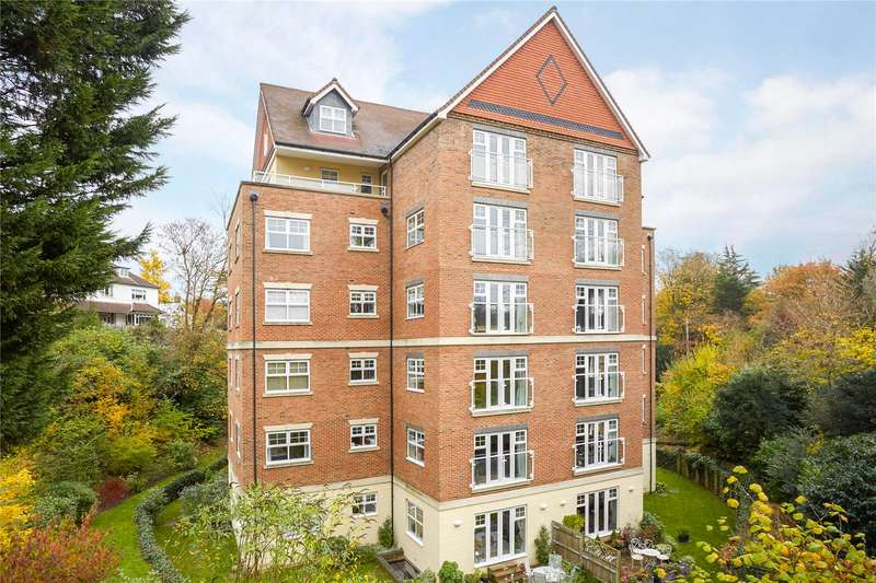 2 Bedrooms Flat for sale in Valley Court, 26 Wray Common Road, Reigate, Surrey, RH2