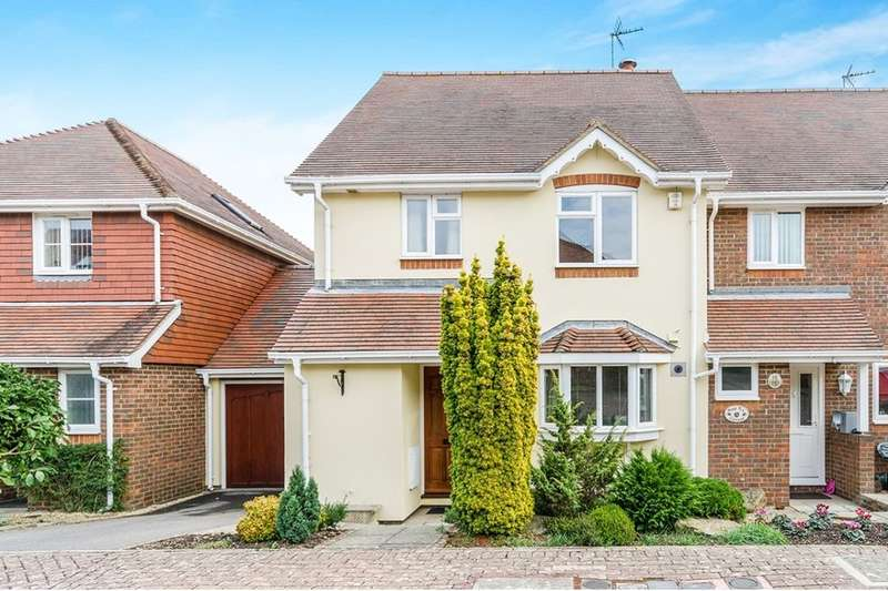 2 Bedrooms Semi Detached House for sale in Gainsborough Mews, Fareham, PO14