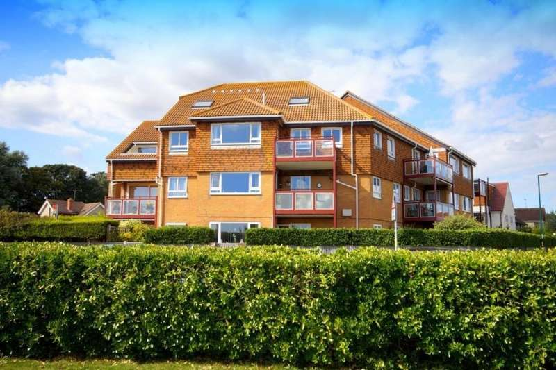 2 Bedrooms Flat for sale in Red Ridges Kings Parade, Bognor Regis, PO21