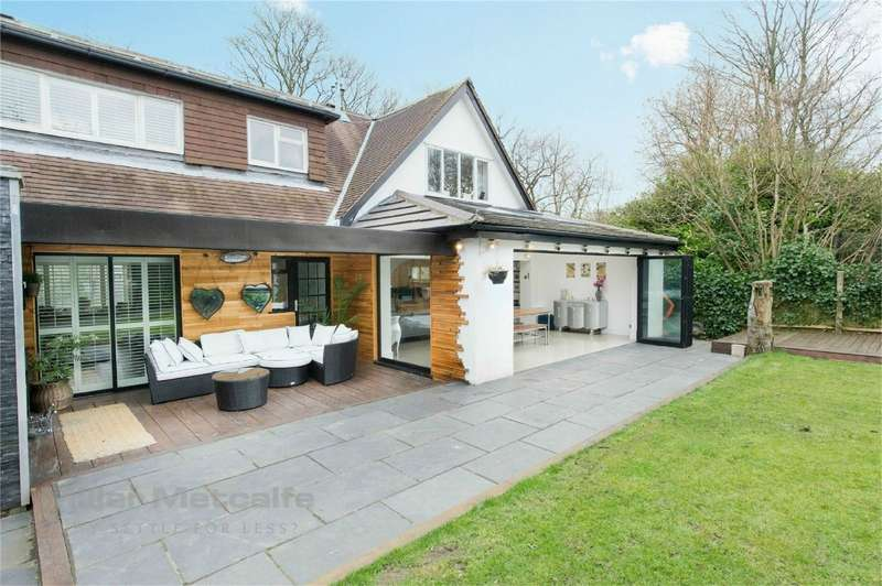 4 Bedrooms Detached House for sale in Lumber Lane, Worsley, Manchester