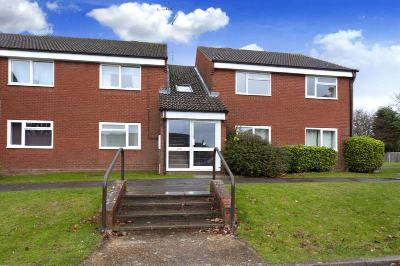 2 Bedrooms Flat for sale in Laurel Walk, Horsham