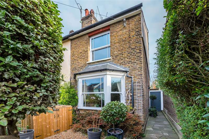 3 Bedrooms Semi Detached House for sale in Arthur Road, Kingston upon Thames, KT2