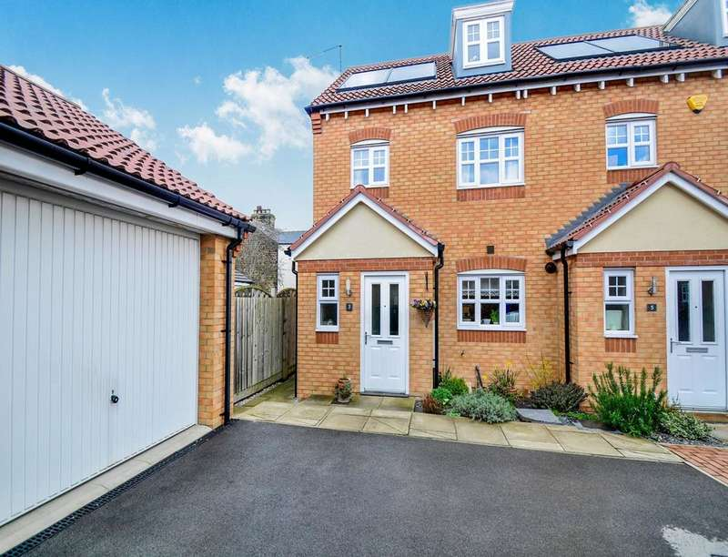 3 Bedrooms Semi Detached House for sale in Hawthorn Mews, High Green, Sheffield, S35