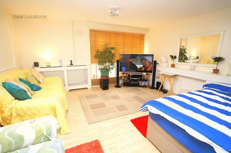 3 Bedrooms Flat for sale in 3 Bedroom Maisonette, Portia Way, London, E3