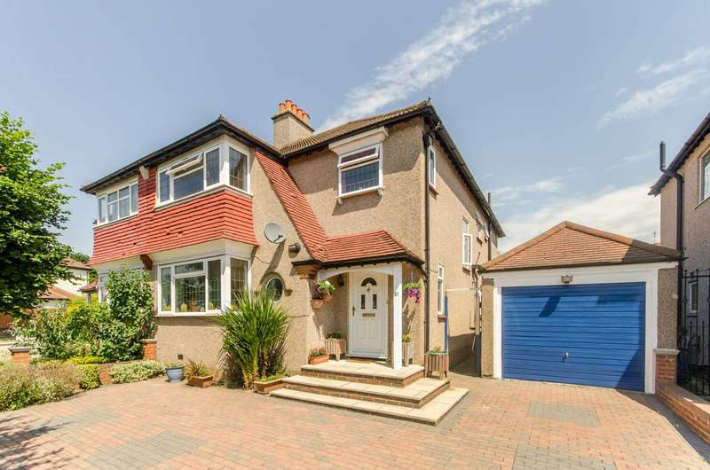 4 Bedrooms Semi Detached House for sale in The Chase, Norbury, SW16