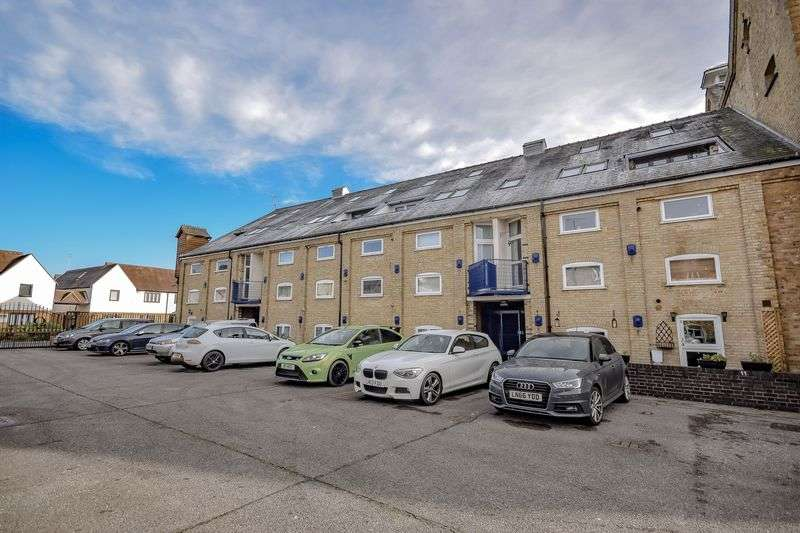 2 Bedrooms Flat for sale in omega maltings, Ware