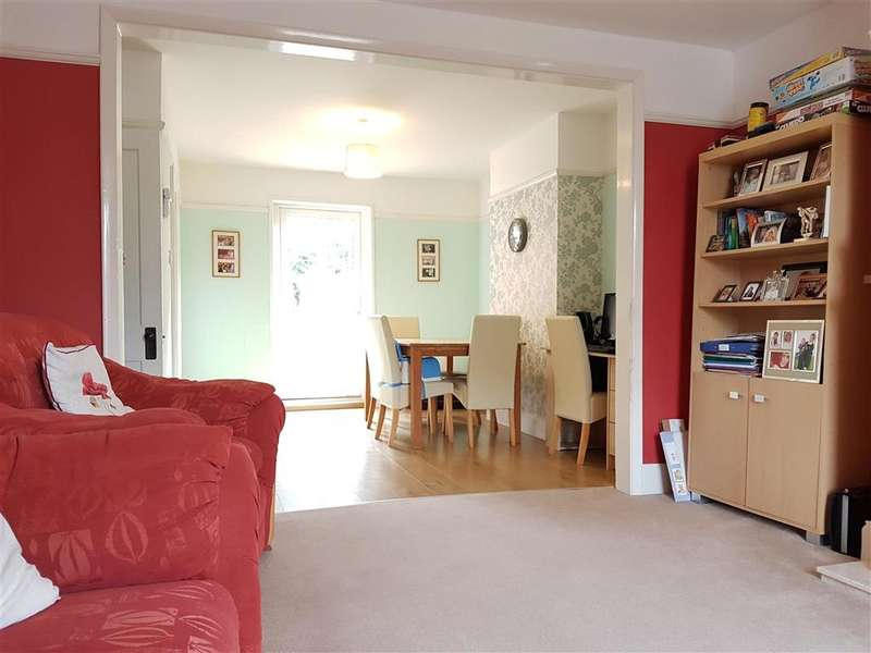 3 Bedrooms Detached House for sale in Fairlee Road, Newport, Isle of Wight