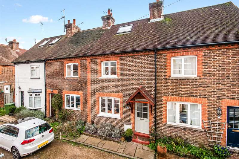 2 Bedrooms Terraced House for sale in Ansell Road, Dorking, Surrey, RH4