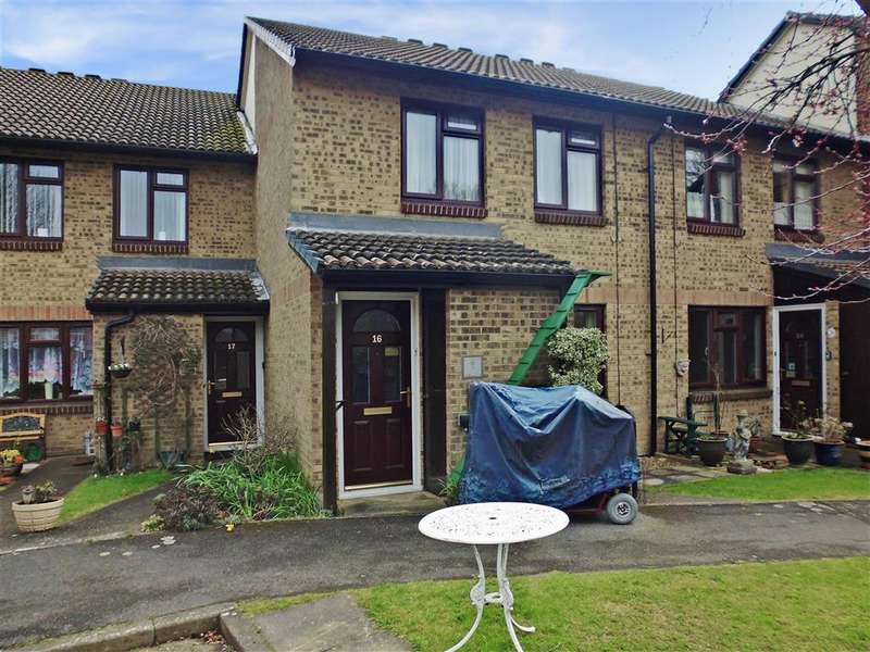 1 Bedroom Flat for sale in Church Court Grove, Broadstairs, Kent