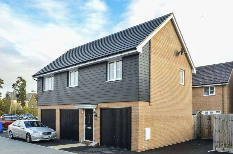 2 Bedrooms Flat for sale in Peppermint Walk, Red Lodge, Bury St Edmunds, IP28