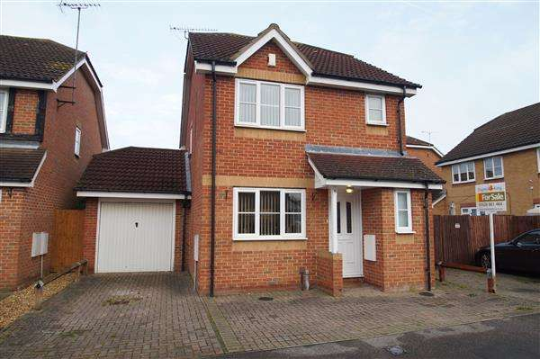 3 Bedrooms Detached House for sale in Earls Lane, Cippenham