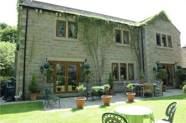 5 Bedrooms Detached House for sale in Riverside Court, Denby Dale, Huddersfield