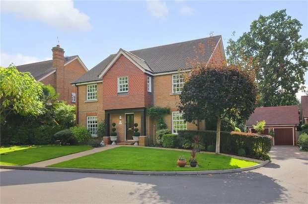 5 Bedrooms Detached House for sale in May Gardens, Elstree, Borehamwood, Hertfordshire