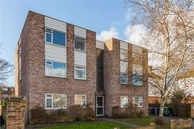 2 Bedrooms Flat for sale in Greystones, Manor Road, Twickenham