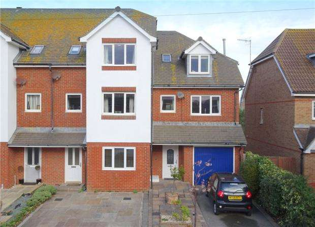 4 Bedrooms Terraced House for sale in Shaftesbury Place, Rustington, West Sussex, BN16