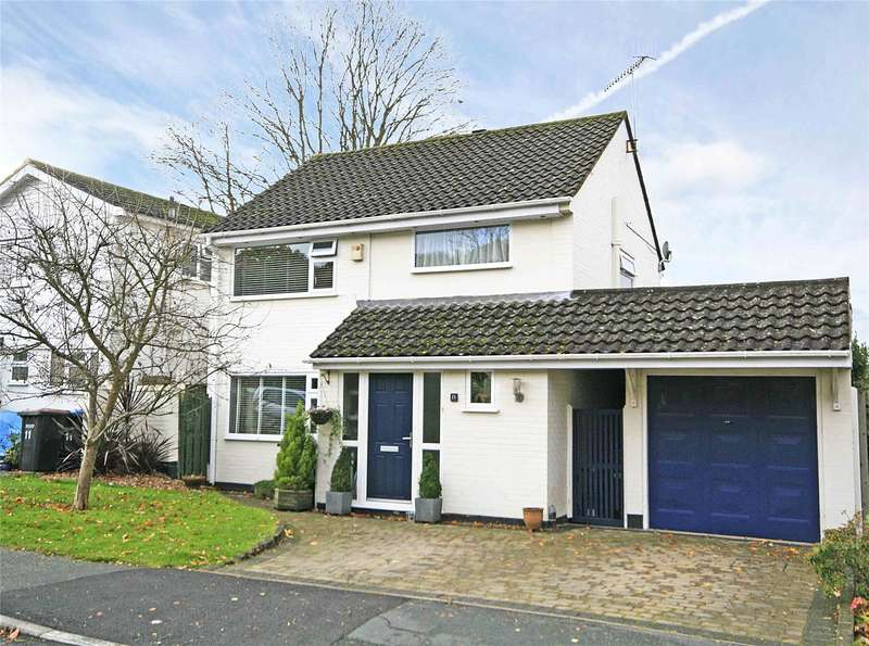 3 Bedrooms Detached House for sale in Malus Drive, Rowtown, Surrey, KT15