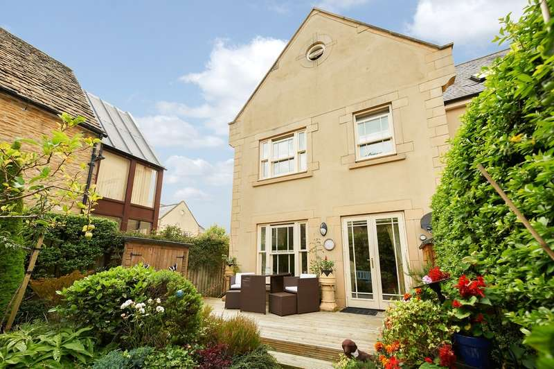3 Bedrooms Town House for sale in Mansion House Mews, Corsham