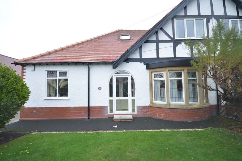 4 Bedrooms Semi Detached Bungalow for sale in Holly Road, North Shore