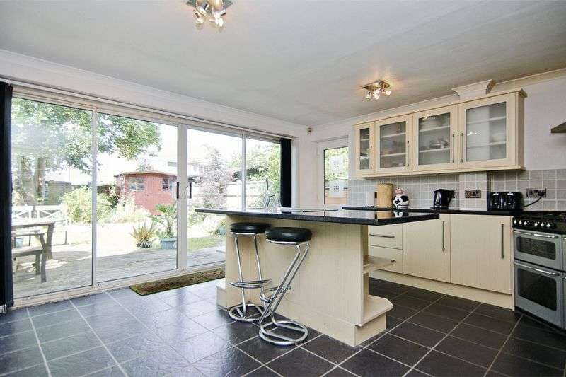 3 Bedrooms Detached House for sale in Sharon Way, Hednesford, Cannock