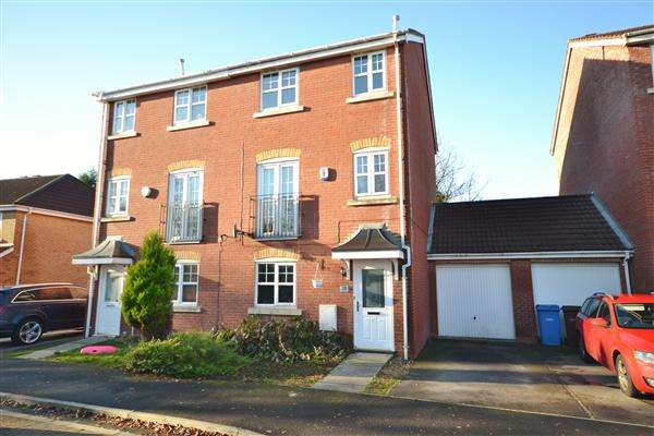 4 Bedrooms Semi Detached House for sale in Regency Gardens, Euxton, Chorley