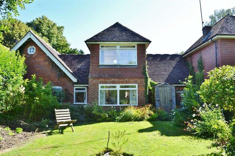 4 Bedrooms House for sale in Chapel Lane, Forest Row