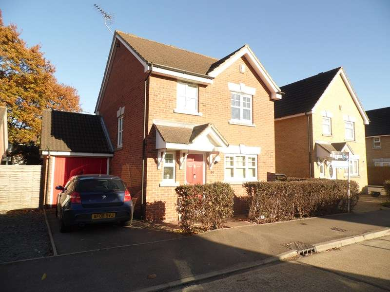 3 Bedrooms Detached House for sale in Cheapside West, Rayleigh