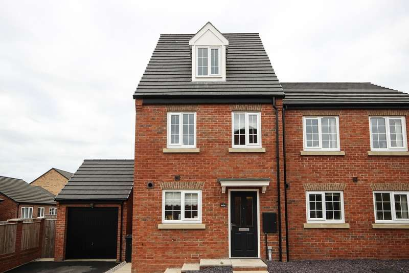 3 Bedrooms Semi Detached House for sale in Burn Close, Great Preston, West Yorkshire, LS26