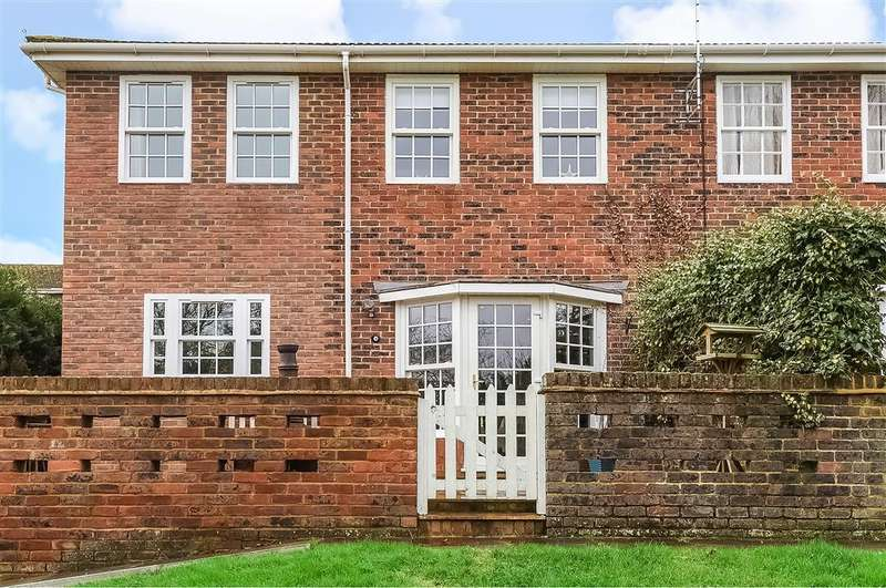 4 Bedrooms End Of Terrace House for sale in Hill Lands, Wargrave, Reading, RG10